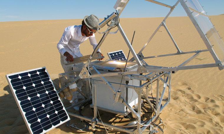 SolarSinter 3D printer by Markus Kayser