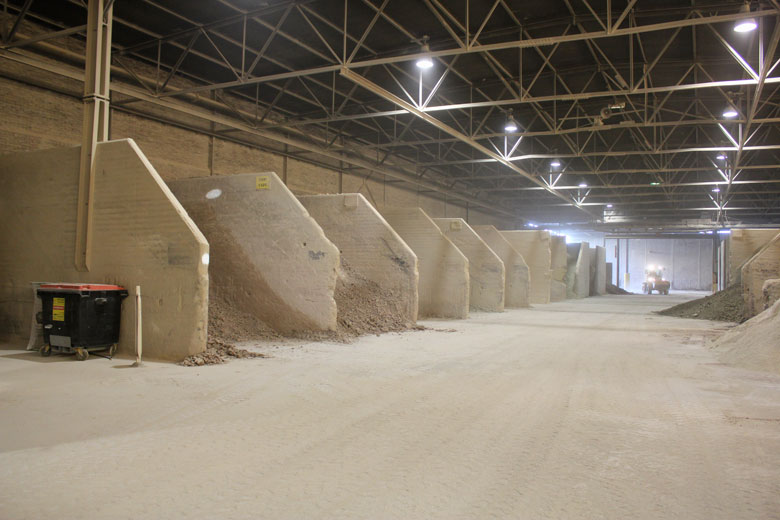 Raw materials storage area: Clay, kaolin, quartz, magnesite and sand