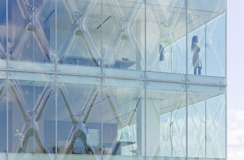 The slumped glass 'X's of REX's Vakko Fashion Centre